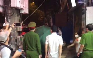 Video: Bắt tạm giam nguyên trưởng Phòng cảnh sát kinh tế Công an Hà Nội Phùng Anh Lê