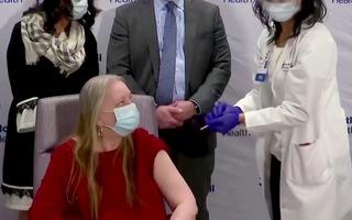 Video: Phát hiện mới ở Mỹ về hiệu quả ngăn ngừa tử vong của vắc xin COVID-19