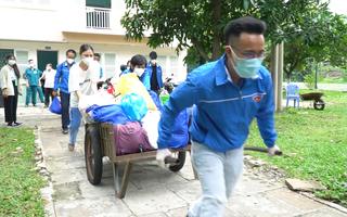 Video: Người dân 'lánh dịch' ở chung cư, khách sạn được đưa về tận nhà