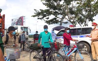 Video: 12 ngư dân đạp xe hơn 1.000km từ Nam Định về quê vẫn đang kẹt ở Đắk Nông