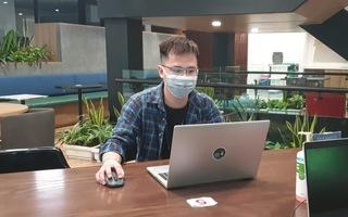 Video: Chàng trai vác đá, bán than trở thành kỹ sư phần mềm sau 7 năm nhận học bổng