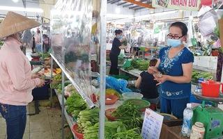 Video: TP.HCM mở dần một số dịch vụ, người dân 'vùng xanh' được đi chợ 1 tuần/lần