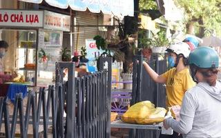 Video: Tiệm, quán mở lại, người dân Đồng Tháp Mười đổ ra mua đồ ăn sau gần 2 tháng ở nhà