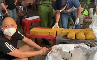 Video: Lợi dụng xe 'luồng xanh' vận chuyển hơn 99kg ma túy từ Campuchia về TP.HCM
