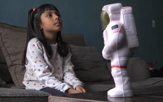 Video: Bé gái 10 tuổi học 2 trường đại học có chỉ số IQ cao hơn Einstein