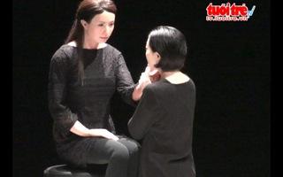 """Ra mắt kịch nói """"Sayonara"""" với người máy"""
