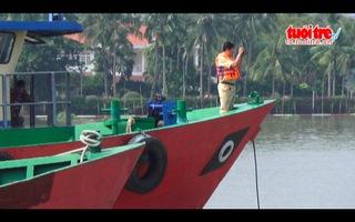 2 tàu đâm nhau trên sông Sài Gòn