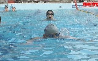 Nguy cơ tiềm ẩn từ hồ bơi
