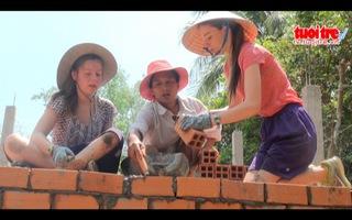 Khi học sinh Mỹ đi học cách xây nhà ở Việt Nam