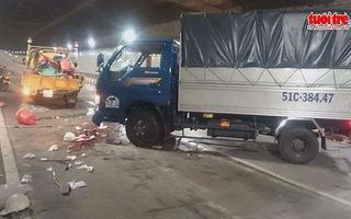 Hầm Thủ Thiêm bị phong tỏa 3 giờ vì tai nạn 5 người thương vong