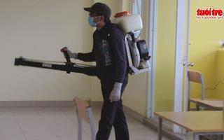 Sinh viên tại KTX ĐHQG TPHCM khiếp sợ vì kiến 3 khoang
