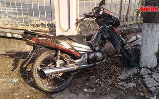 Nghi vấn thanh niên tự đốt xe máy