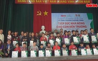 Báo Tuổi Trẻ tiếp sức nhà nông cho con đến trường ở Lâm Đồng
