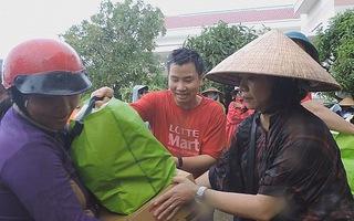 LOTTE Mart Việt Nam cứu trợ đồng bào vùng bão Khánh Hòa