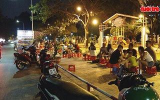 Sắp xếp chỗ bán hàng rong trong công viên Gia Định