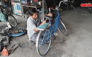 Tiếp sức học sinh đến trường bằng những chiếc xe đạp cũ