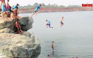 Hồ Đá, 7 năm có 30 người chết đuối