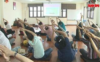 Bệnh nhân ung thư được học yoga miễn phí