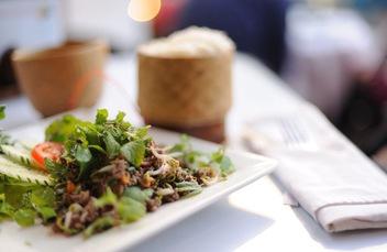 9 món ăn nhất định phải thử khi đến Lào