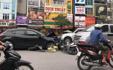 Ôtô Mazda đâm 2 xe máy và 2 ôtô, 3 người cấp cứu