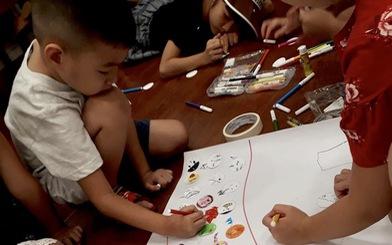 Học sinh vẽ chú tinh trùng và nàng trứng