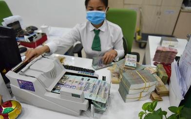 Lãi suất huy động giảm sâu, ngân hàng hạn chế huy động kỳ hạn dài