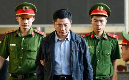 Trùm đường dây đánh bạc khai hối lộ 2 cựu tướng công an hàng chục tỉ