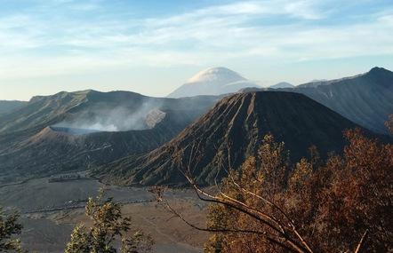 Thưởng thức 'đặc sản cát bụi' ở núi lửa Bromo