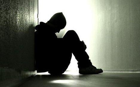 'Có mối quan hệ giữa trầm cảm và hành vi tự hủy hoại'