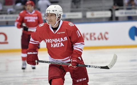 Tổng thống Putin ghi 5 bàn trên sân khúc côn cầu