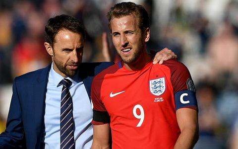 Kane kế thừa Rooney băng đội trưởng tuyển Anh tại World Cup