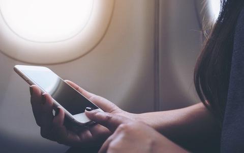 Chuyện gì xảy ra nếu không chuyển điện thoại sang chế độ máy bay?