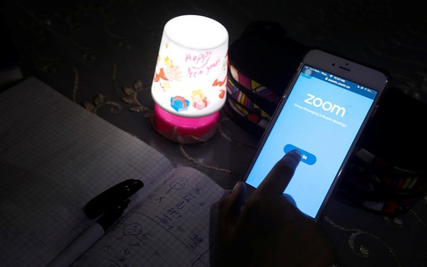 Công ty sở hữu ứng dụng họp trực tuyến Zoom bị kiện tập thể tại Mỹ