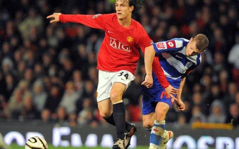 CLB TP.HCM mua cựu cầu thủ Manchester United