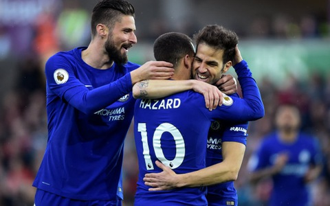 Đá bại Swansea, Chelsea còn kém tốp 4 hai điểm