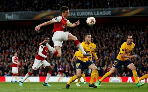 Arsenal quyết đấu vì HLV Wenger