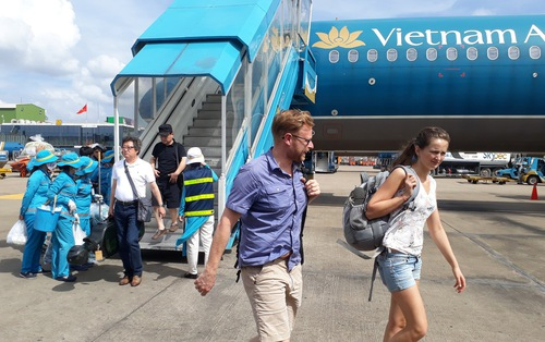 Săn vé Vietnam Airlines dịp Tết Nguyên Đán 2018 giá  399.000 đồng