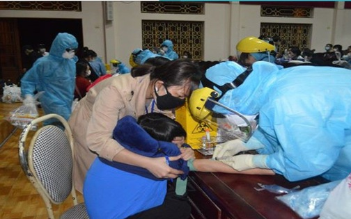 TP.HCM ghi nhận ca lây nhiễm cộng đồng, Bộ Y tế họp khẩn