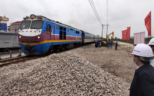 Đường sắt Việt Nam xin Thủ tướng cho nhập 37 toa xe cũ từ Nhật Bản để cải tạo khai thác