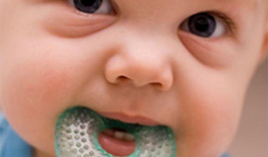 Tập luyện đúng cách cho trẻ hay ọe khi ăn