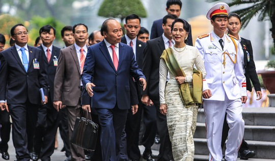 Cố vấn Nhà nước Myanmar San Suu Kyi lần đầu tiên thăm Việt Nam