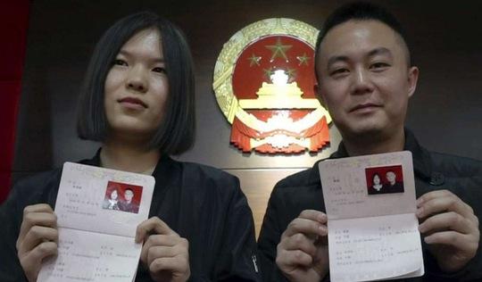Ở Trung Quốc, muốn ly hôn cũng phải thi thố