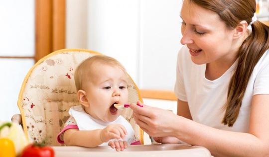 Nên bắt đầu cho bé ăn giặm ở độ tuổi nào?