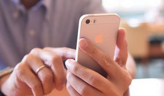Nhóm luật sư tiếp tục nộp đơn khởi kiện Apple làm chậm iPhone