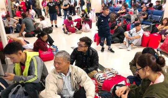 Hàng không đổi 'chậm hủy chuyến' sang 'bay chưa đúng giờ'
