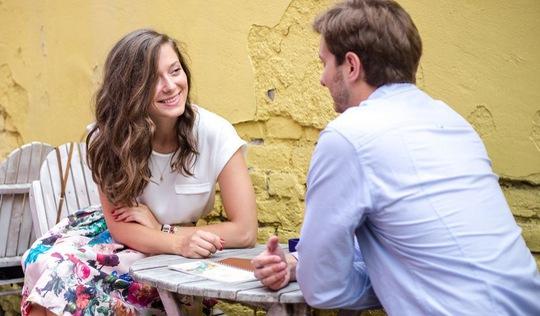 Những câu hỏi 'duyên hết chịu nổi' trong buổi hẹn đầu