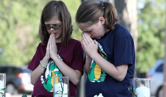 Mỹ: giáo viên chết vì xả súng học đường sẽ được bồi thường 100.000 USD