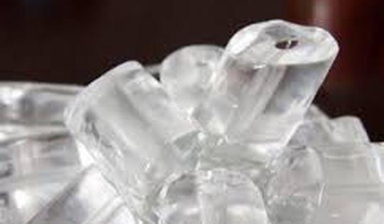 Hà Nội: Phạt cơ sở sản xuất nước đá vi phạm 750.000 đồng