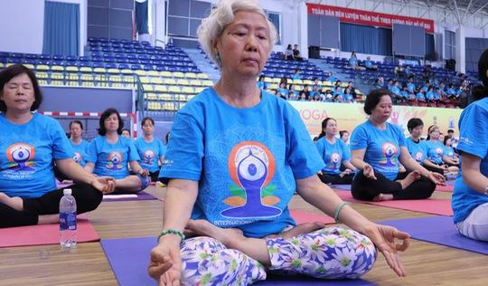 Đa dạng lứa tuổi tham gia Ngày Quốc tế Yoga ở TP.HCM