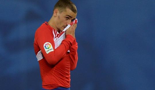 Atletico Madrid thua sốc, Barca cách chức vô địch ba điểm